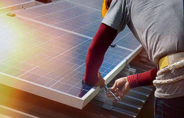 Instalacion-de-Paneles-Solares-en-Mexico-v002-compressor